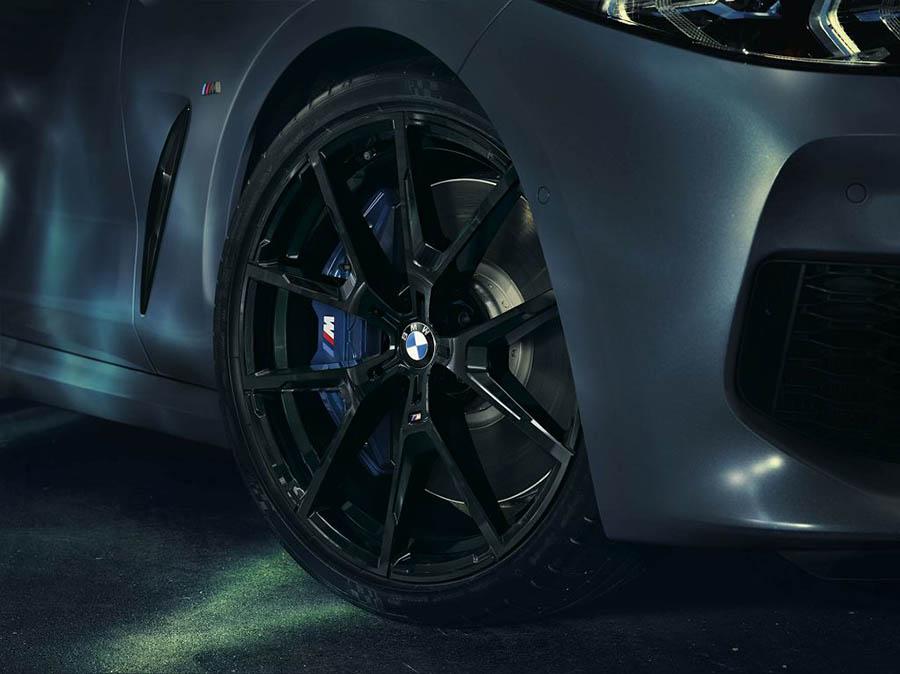 Эксклюзивная версия BMW M850i xDrive  - легкосплавленные диски автомобиля от BMW