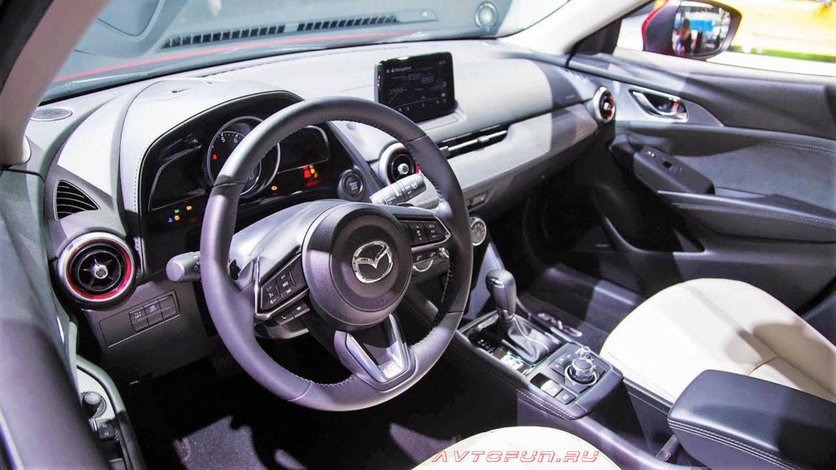 Mazda 3 2019 в новом кузове - интерьер Mazda 3 2019 года