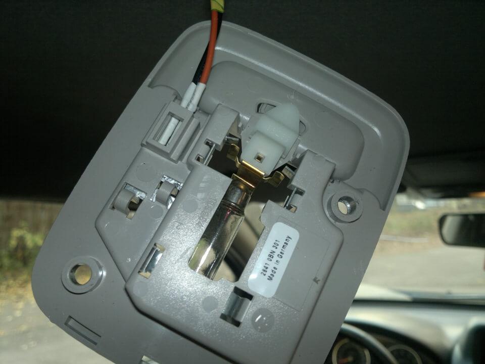 Дополнительный плафон освещения для Nissan