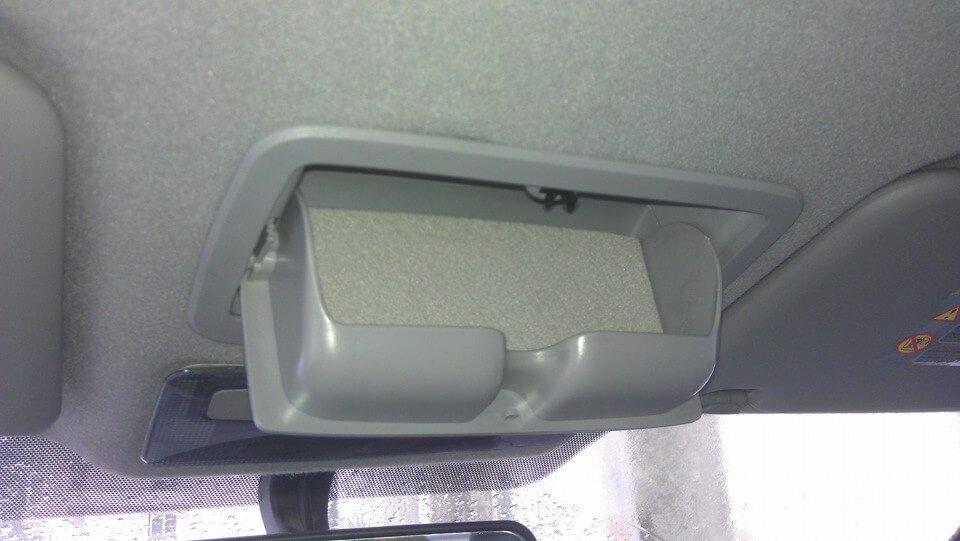 установка дополнительного очечника на Nissan Almera