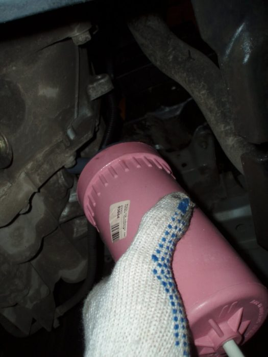Процесс замены масла Nissan Almera N16
