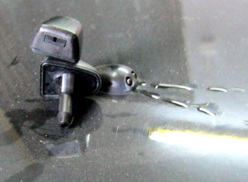 Веерные форсунки для Nissan Almera - вид сверху