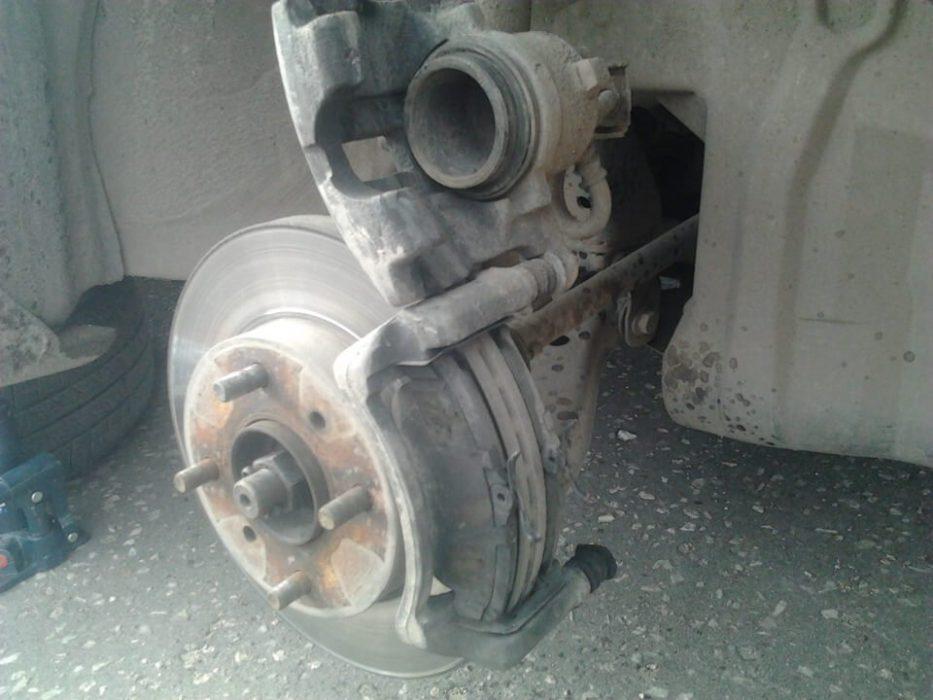Замена передних колодок для Nissan Almera