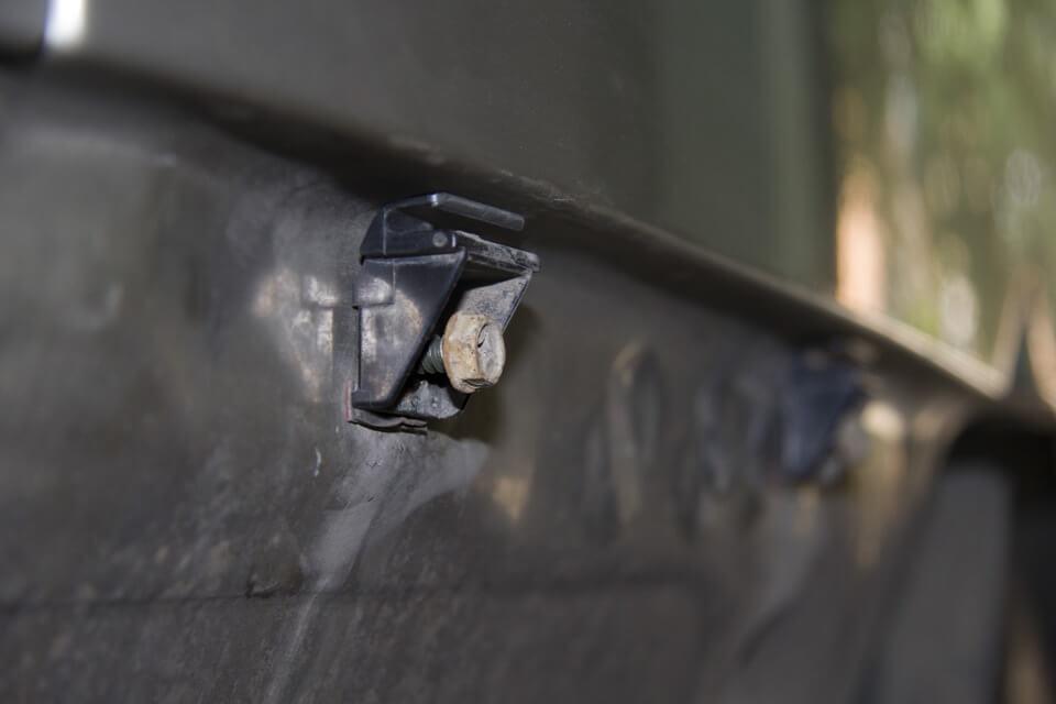 зазоры провисшего бампера Almera N16