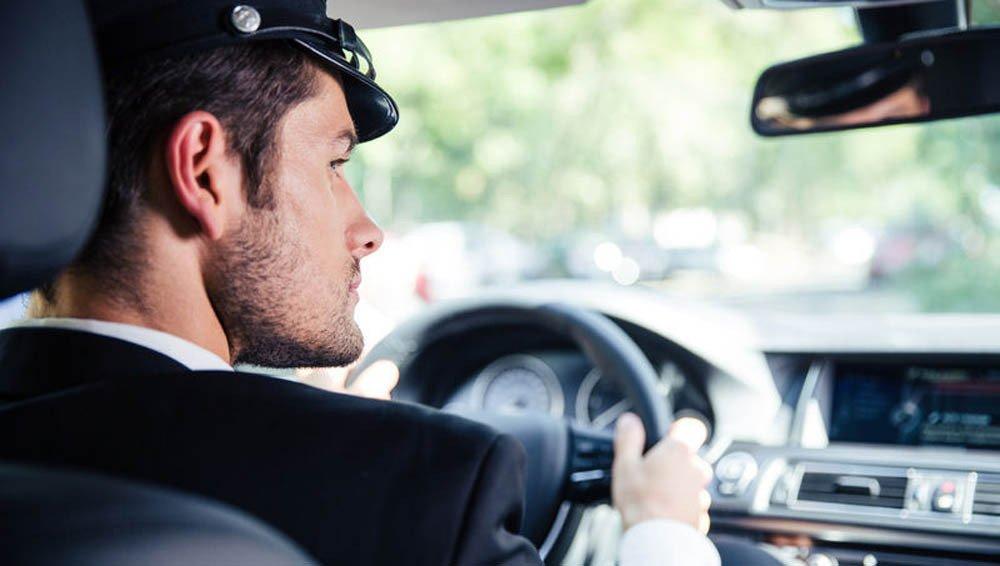 Аренда автомобиля с водителем - все преимущества и недостатки аренды авто с водителем