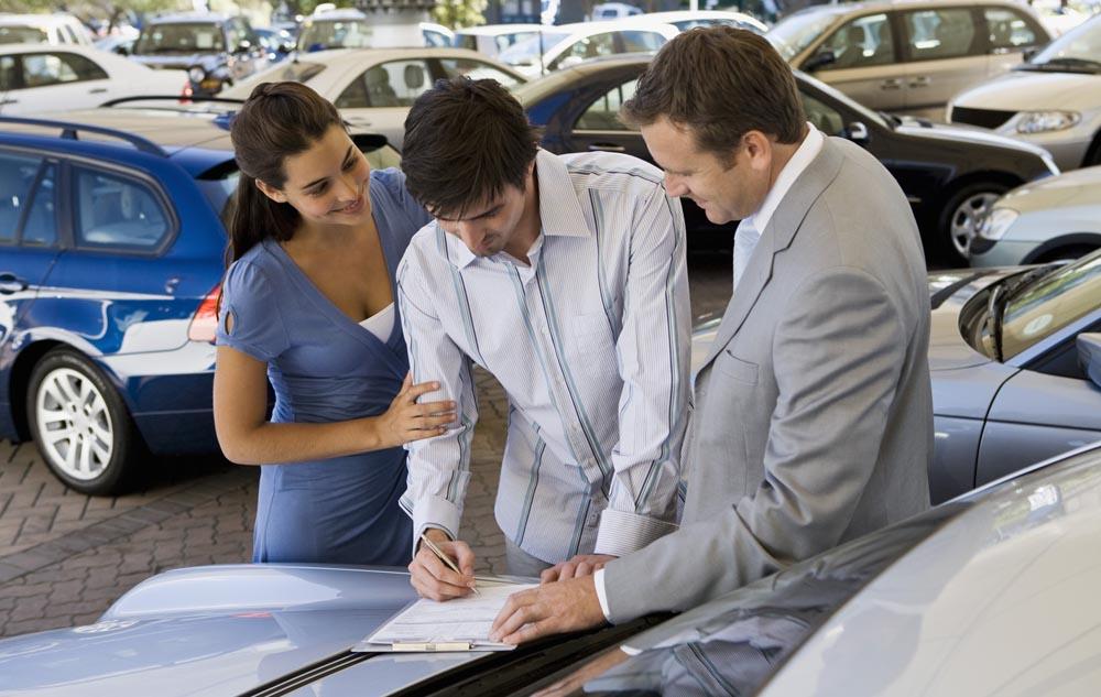 оформление автомобиля с пробегом в кредит в автосалоне