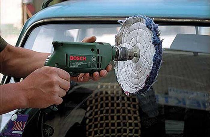 Полировка стекол фар автомобиля