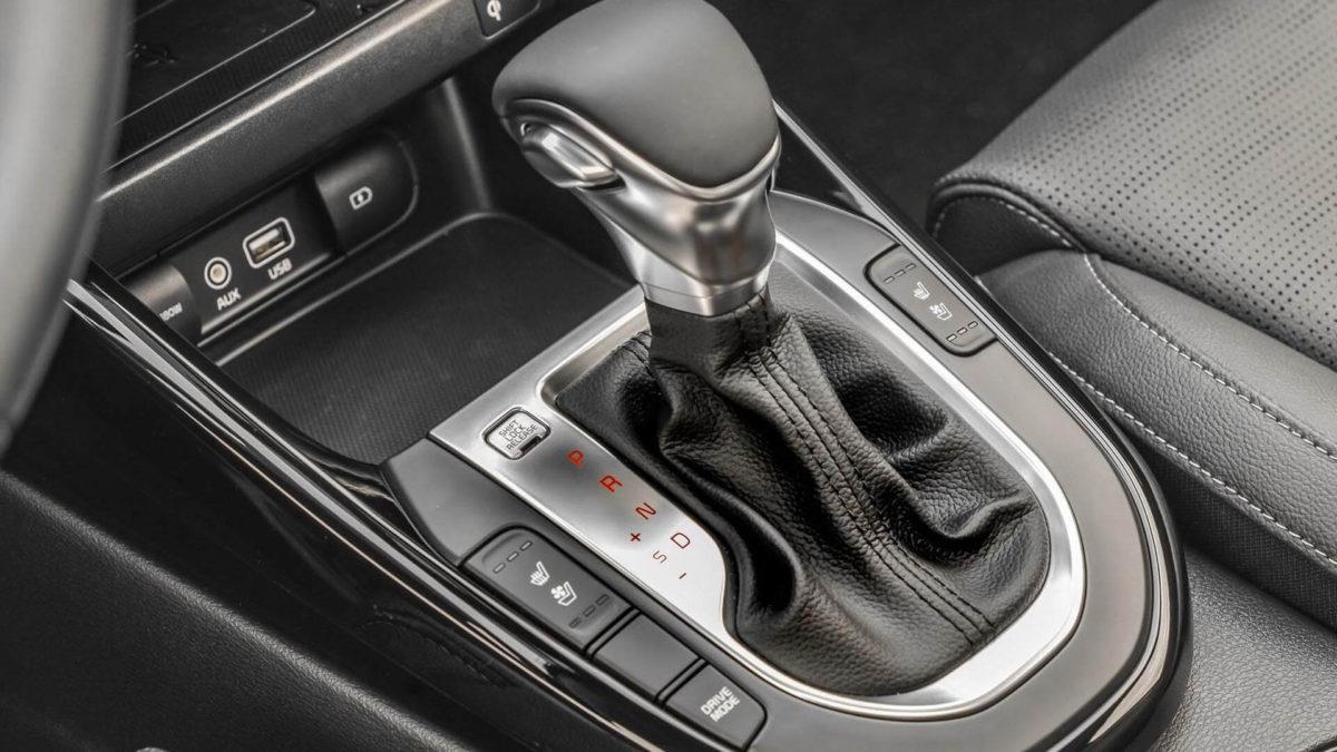 Новый Kia Cerato 2019. Интерьер, селектор коробки передач АКПП