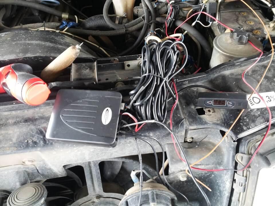 Парктроники на переднем бампере УАЗ Patriot