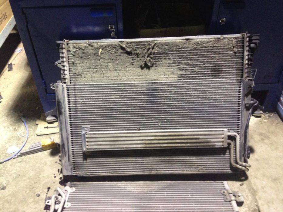 грязный забитый радиатор