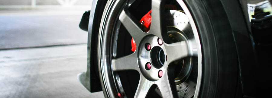 автомобильное литое колесо