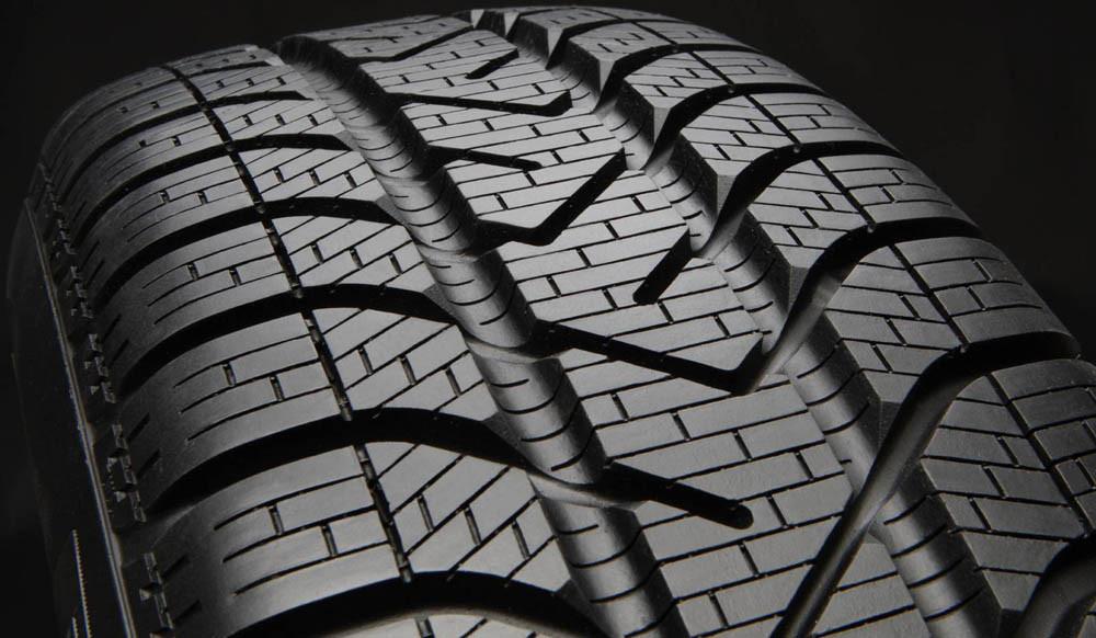 Хорошие шины - залог успеха на скользкой дороге!