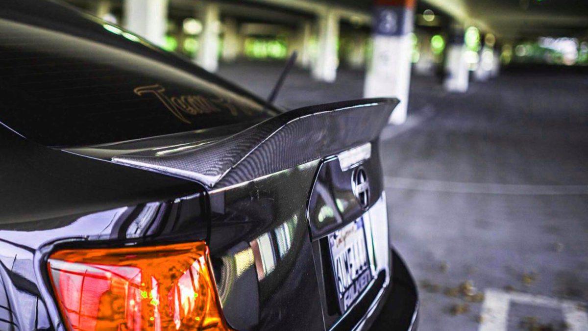 Антикрыло автомобиля