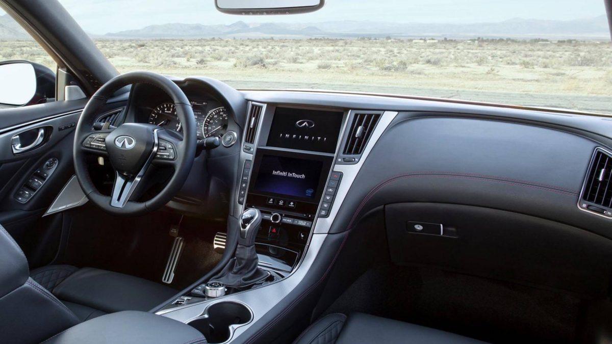 Интерьер автомобиля Infiniti Q50. Infiniti Q50 салон внутри автомобиля