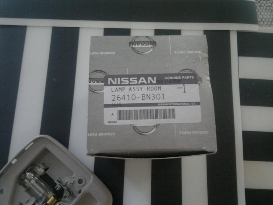 Установка дополнительного плафона освещения салона в Nissan Almera N16