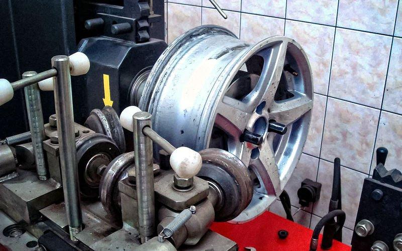 инструмент для прокатки дисков