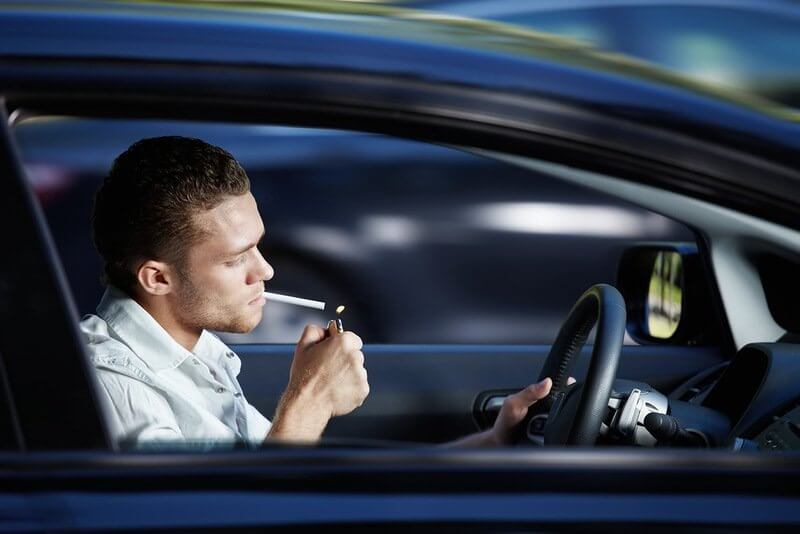 избавиться от запаха в машине